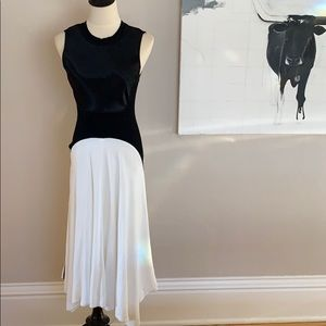 Dresses & Skirts - DKNY black and white holiday dress S